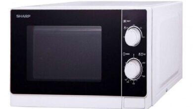 صورة كلاسيكي للمطابخ الصغيرة.. تعرفي على مميزات ميكروويف شارب 20 لتر