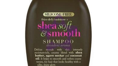 صورة تحكمي في شعركِ المتطاير مع شامبو OGX بزبدة الشيا